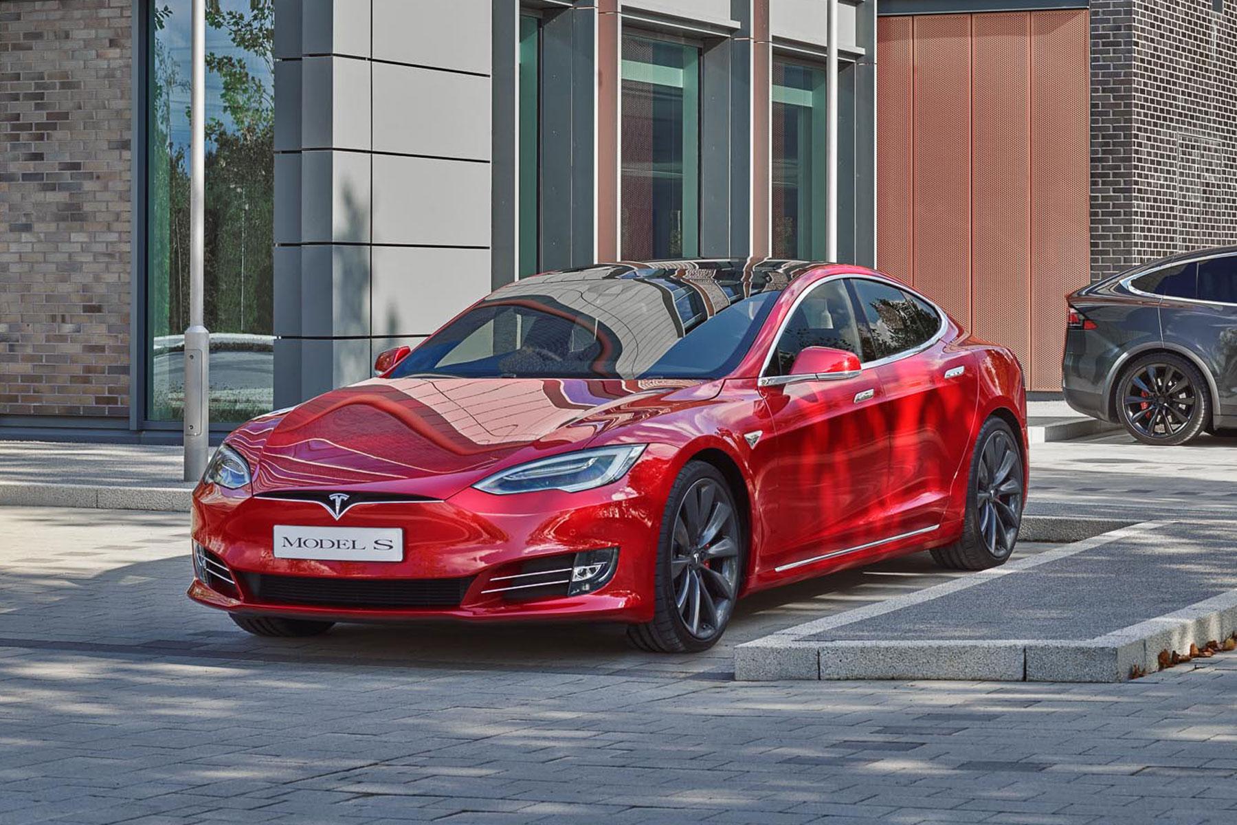 Tesla Model S P100D – 2.5 seconds (0-60mph)