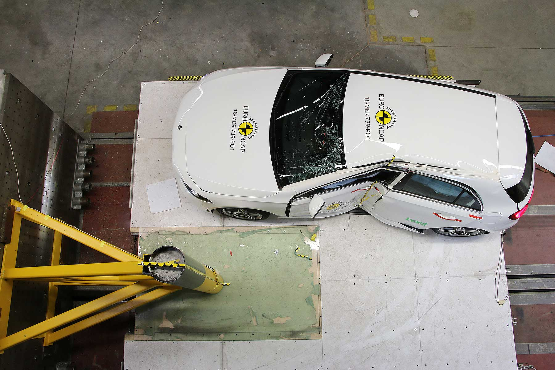 Mercedes-Benz Euro NCAP crash test