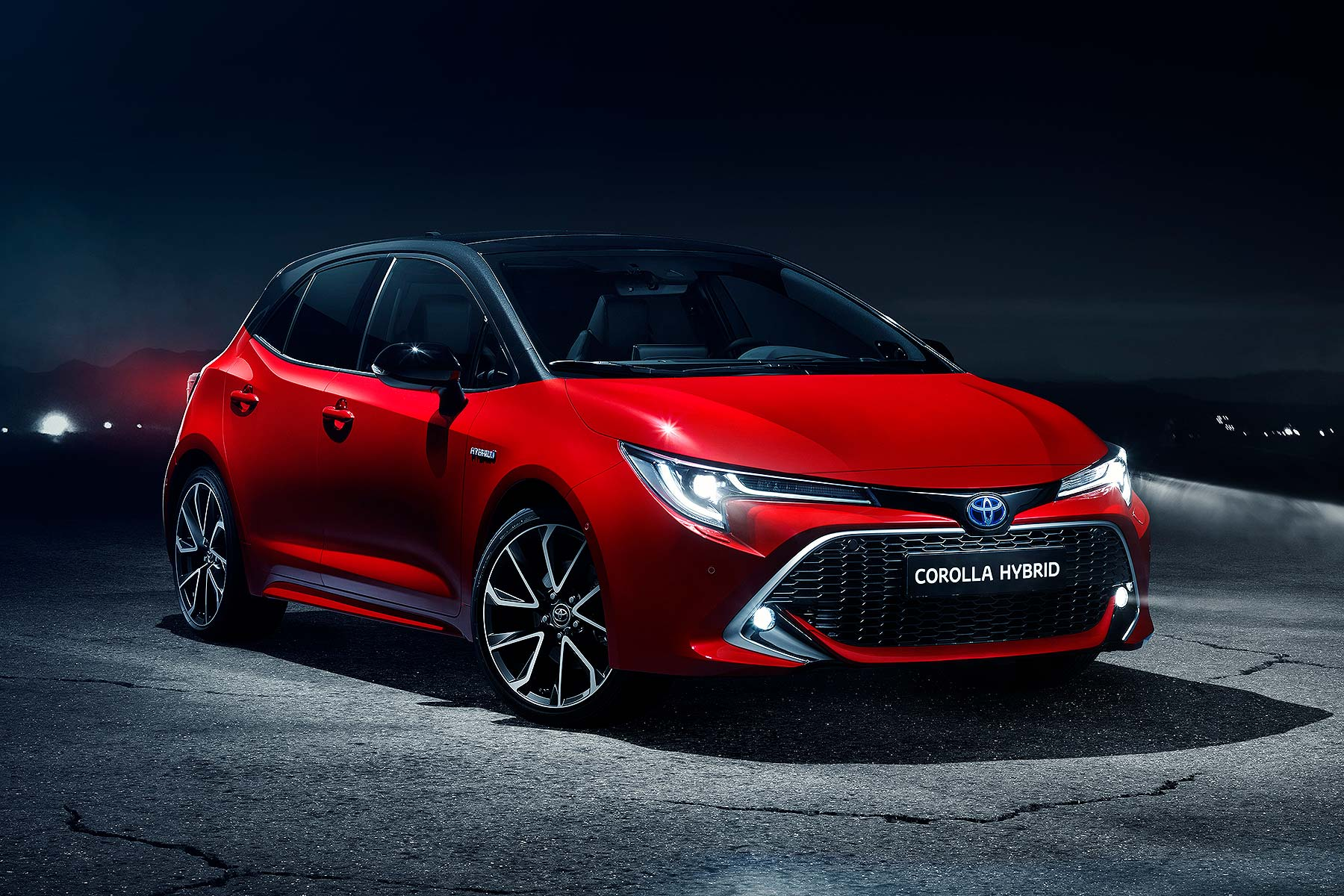 new toyota corolla will make uk factory 85  hybrid