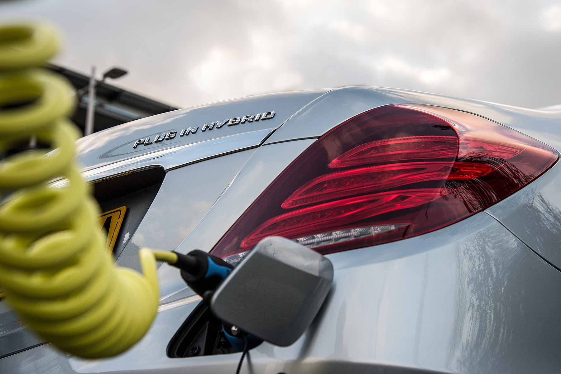 Maths No Longer Stacks Up For Plug In Hybrids Says Fleet Company