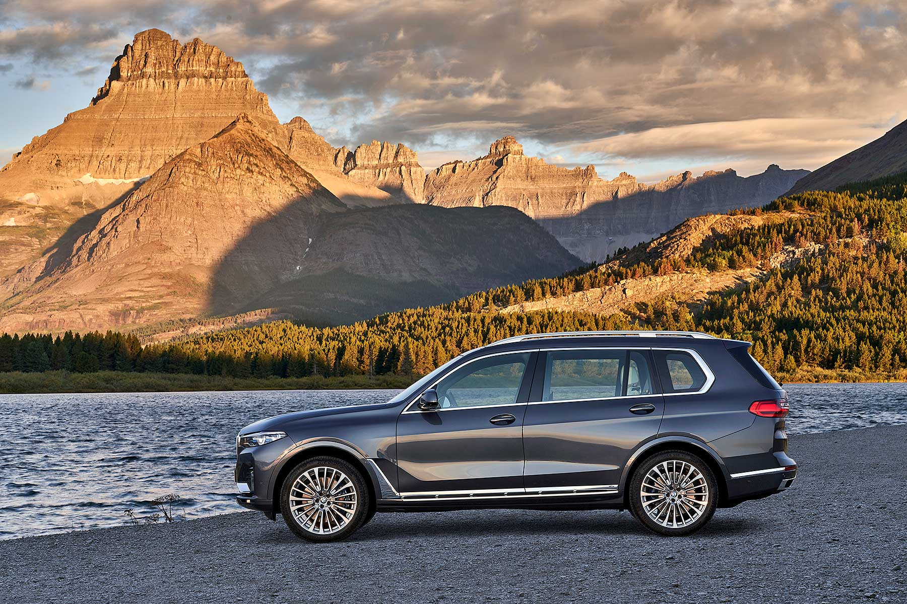 Third Row Suv >> Bold new 2019 BMW X7 range-topping SUV revealed | Motoring Research