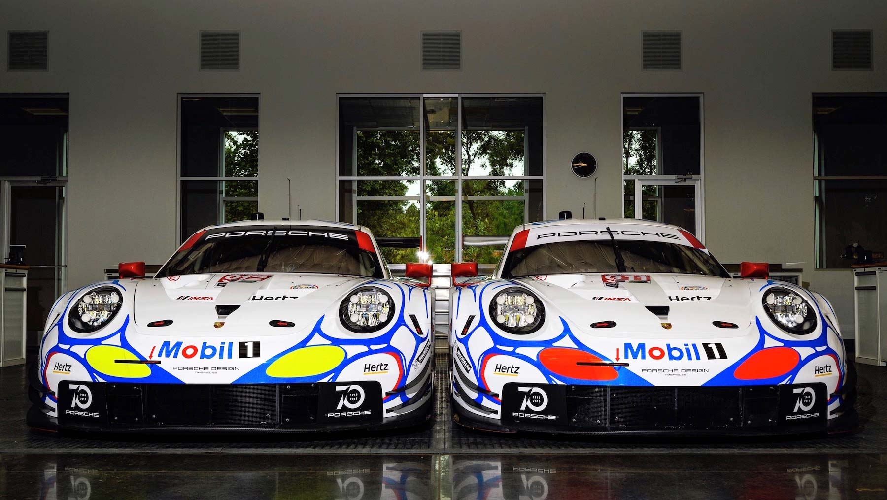 Porsche revives the 90s with another retro racing livery for