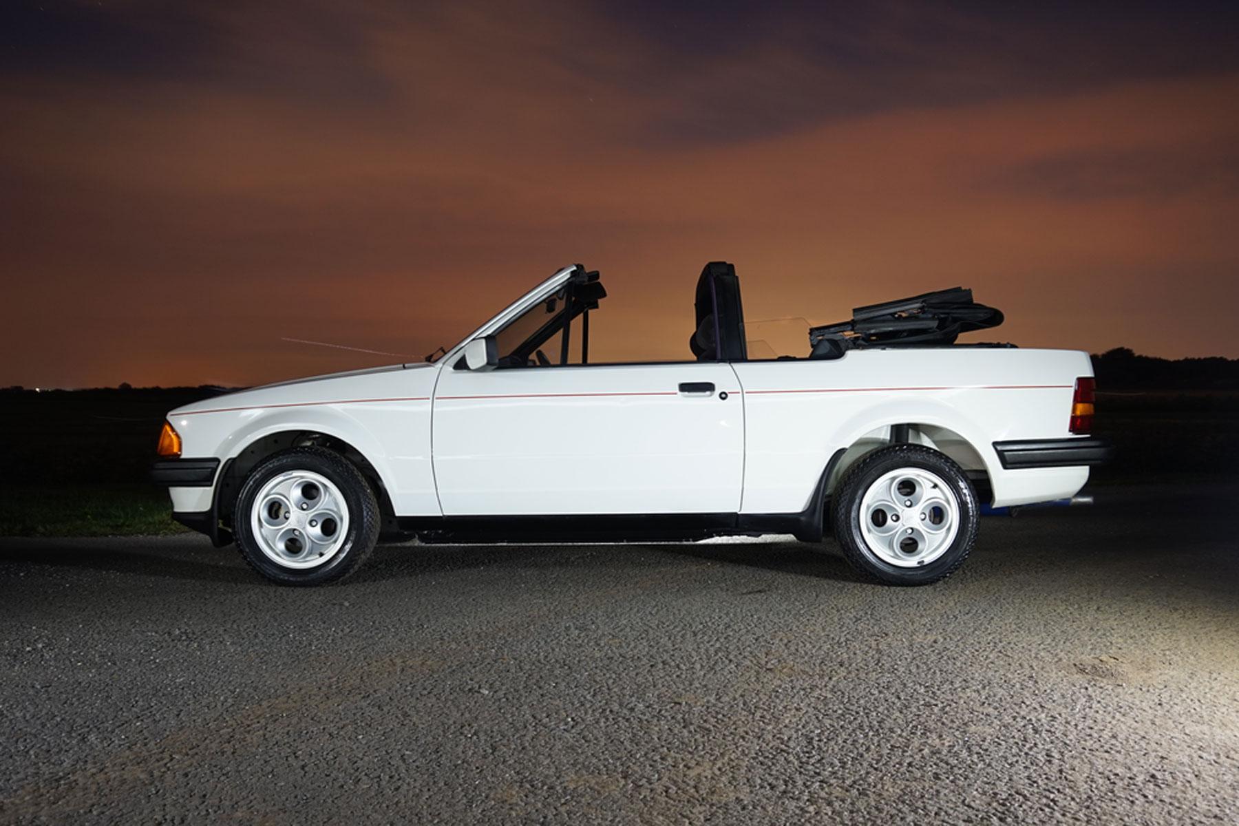 low mileage ford escort cabriolet stars in december auction. Black Bedroom Furniture Sets. Home Design Ideas