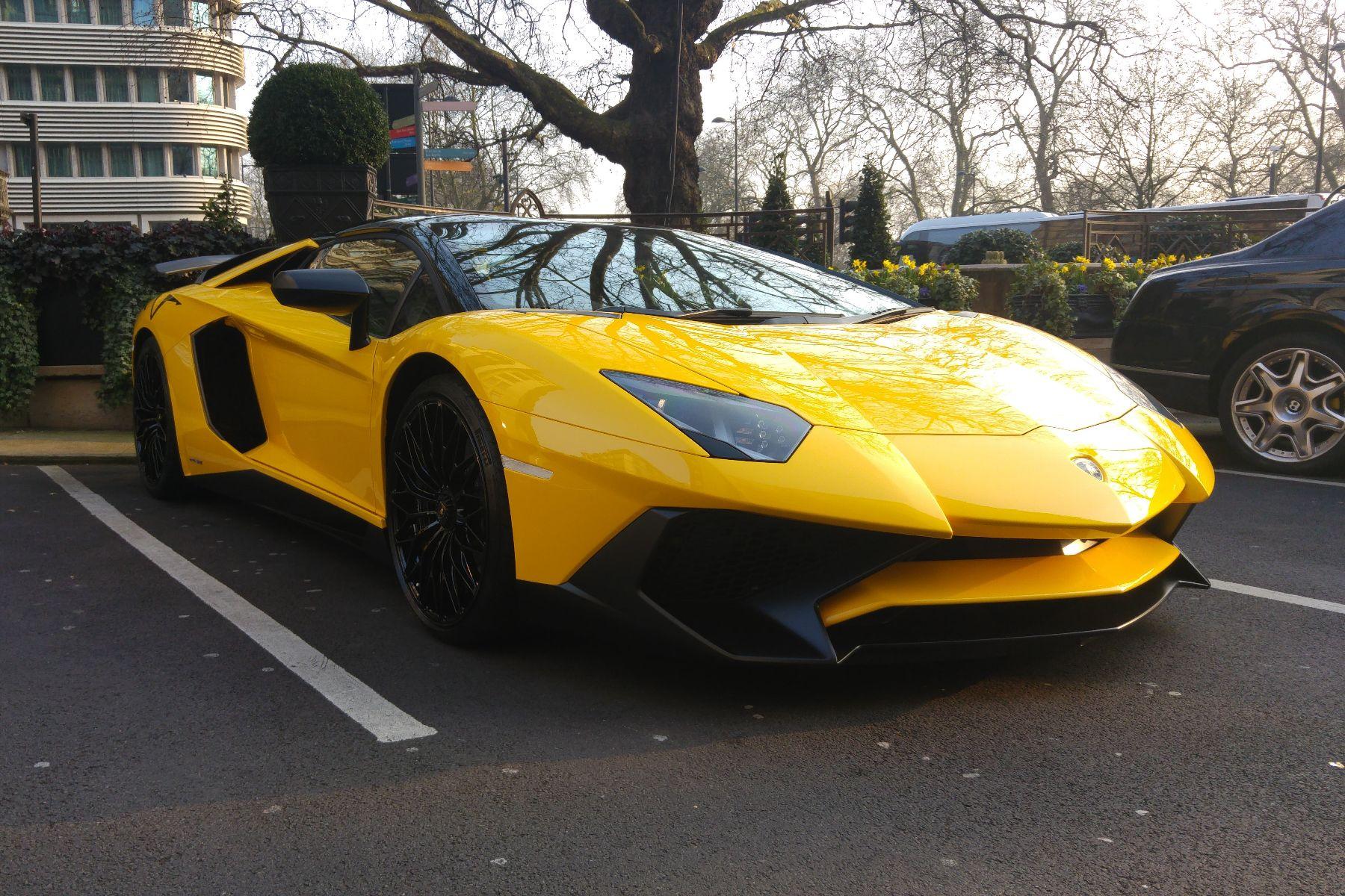 Supercar spotting instagram London