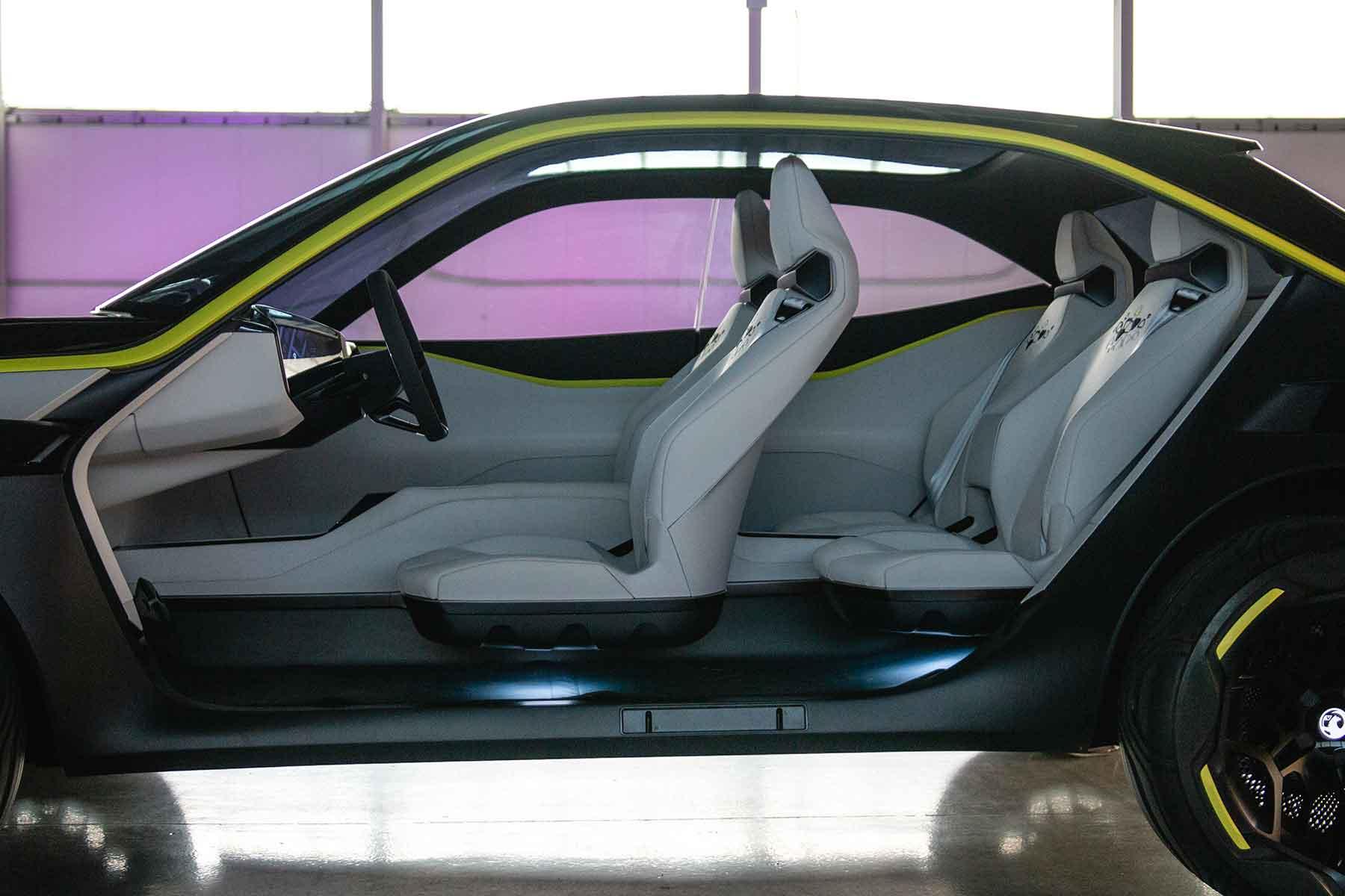 Vauxhall GTX Xperimental Concept drive