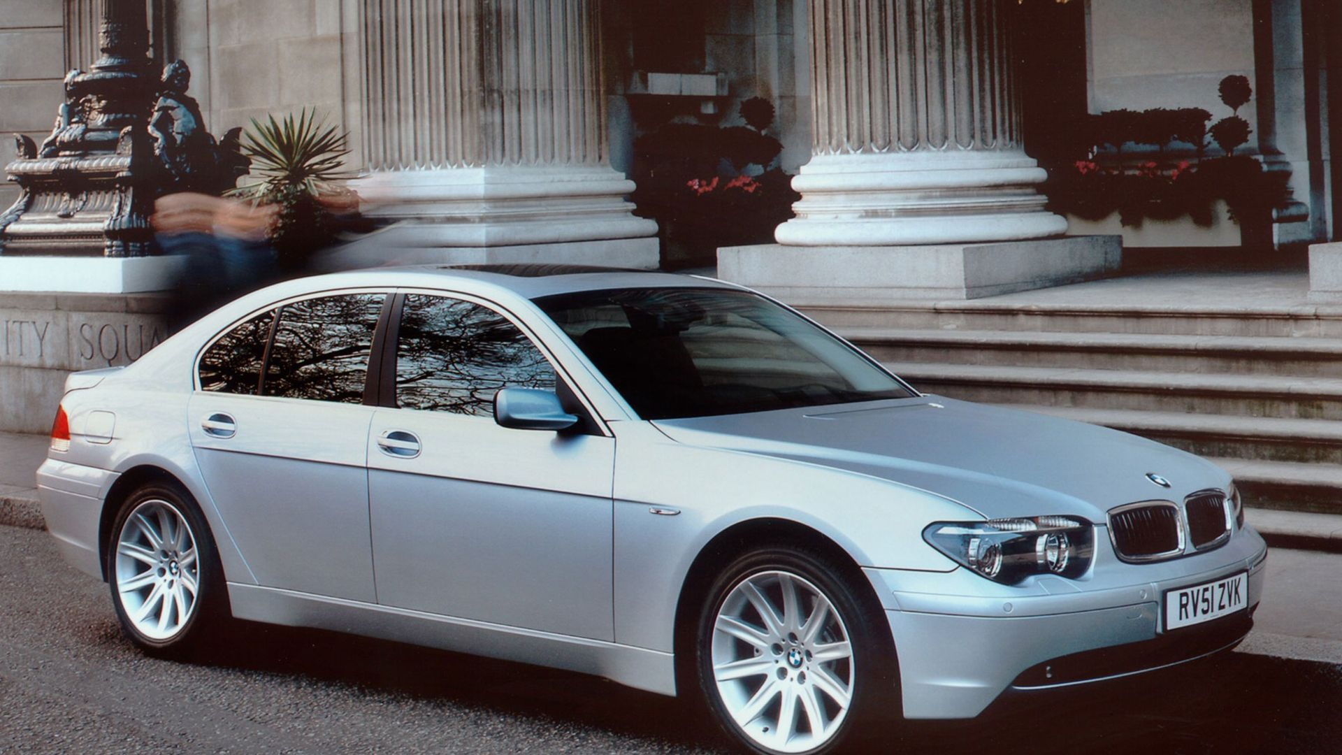 Big Lux Little Bucks Luxury Cars For 5 000 Motoring Research