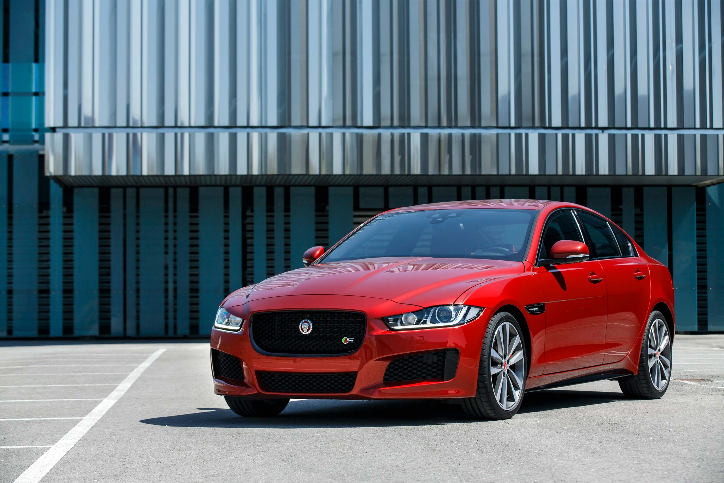 Luxury Vehicle: The 10 Best Midsize Luxury Cars For 2019