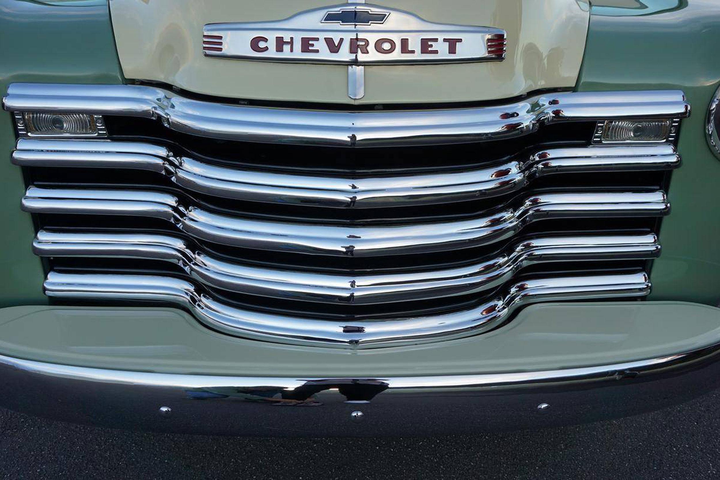1952 Chevrolet Suburban Grille