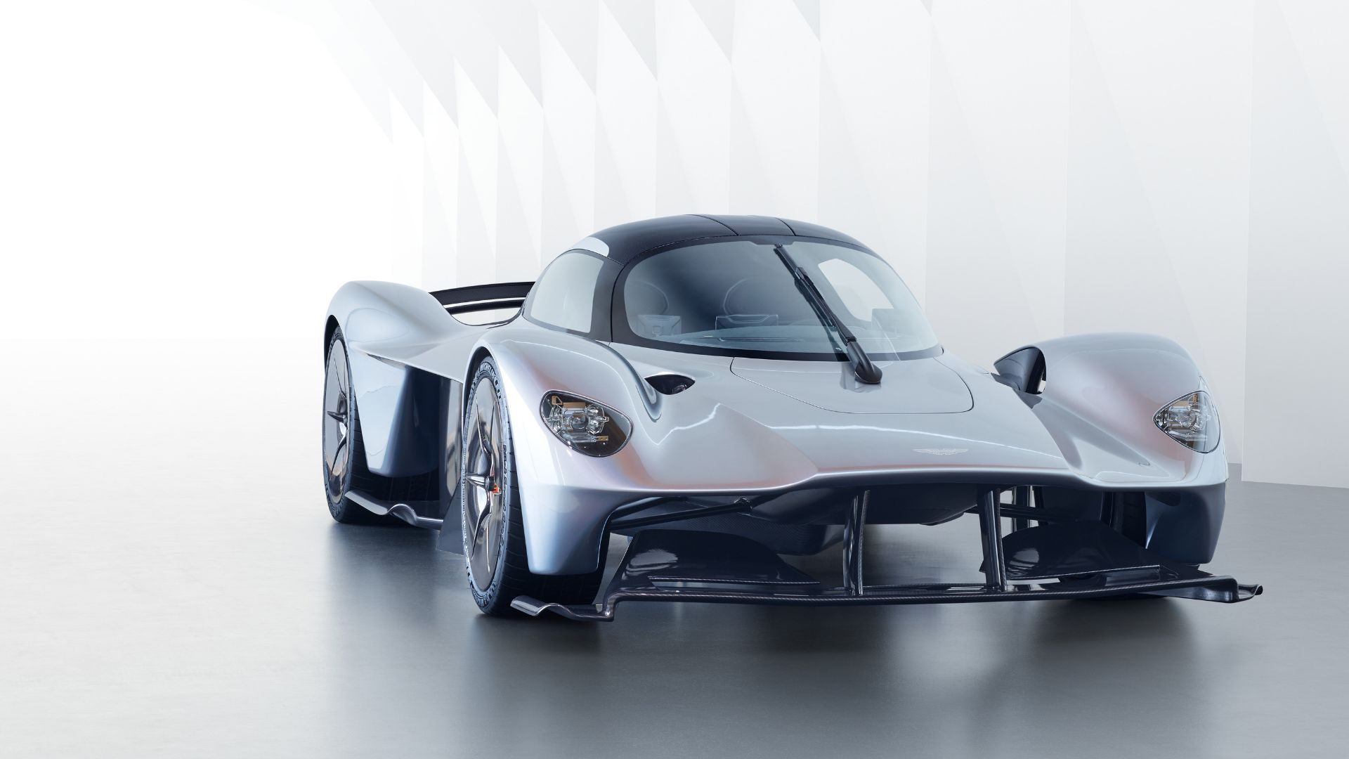 aston martin reveals spec of valkyrie's incredible v12 engine