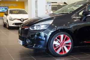 Renault UK car retailer