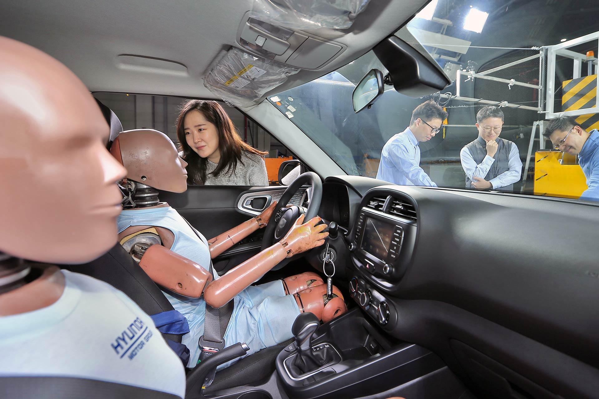 Hyundai creates first multi-collision airbag system