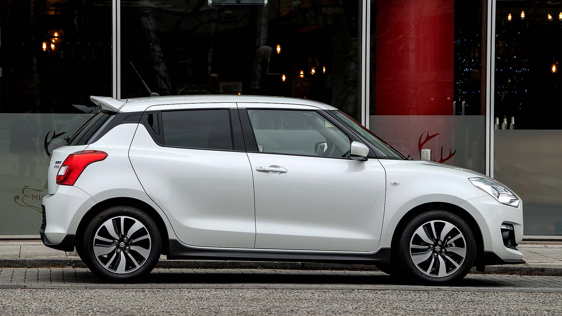 2019 Suzuki Swift Attitude
