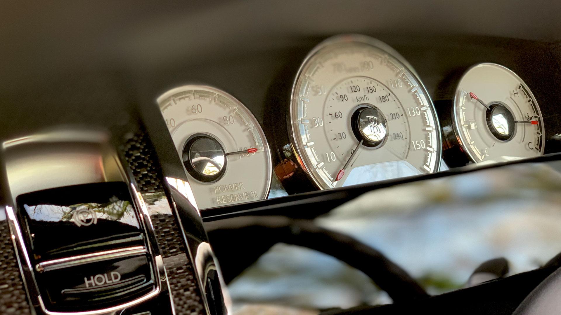 Rolls-Royce Wraith dials