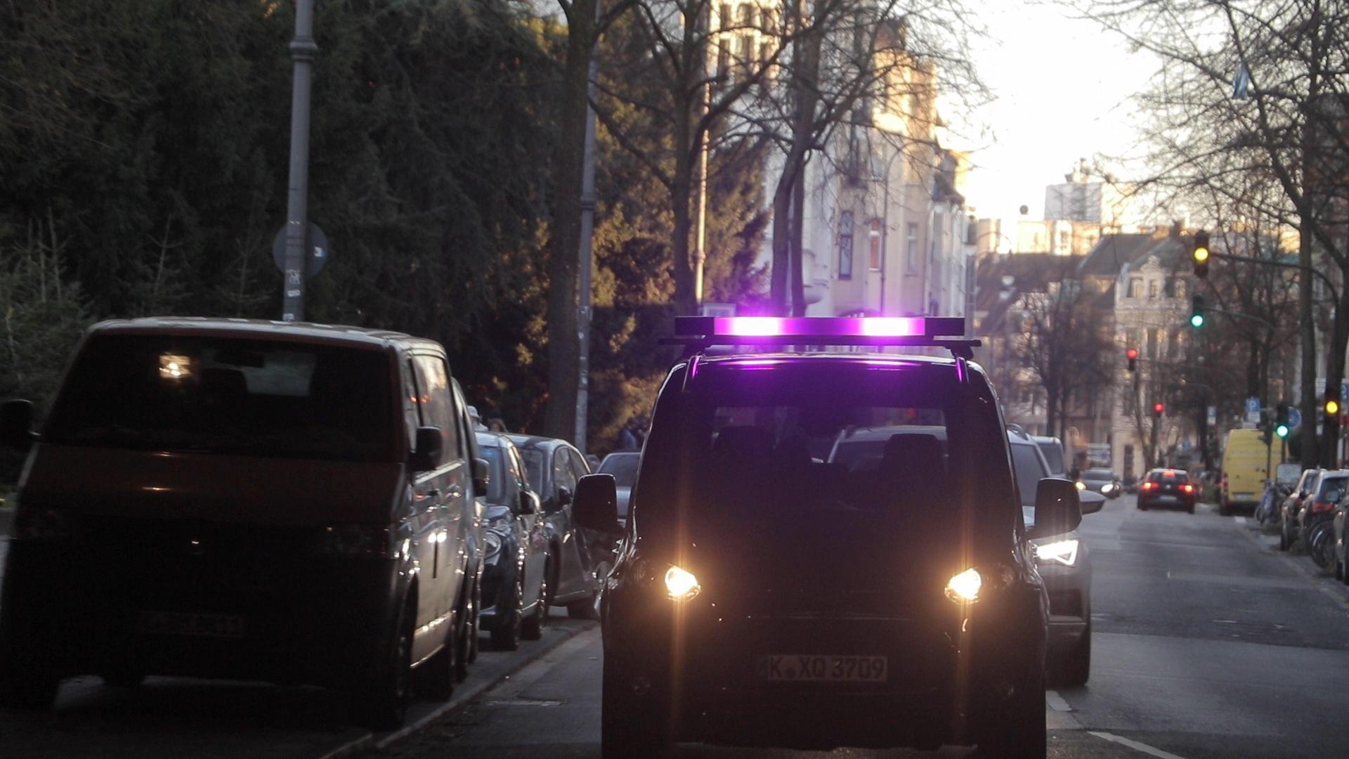 Ford lights autonomous cars communication pedestrians