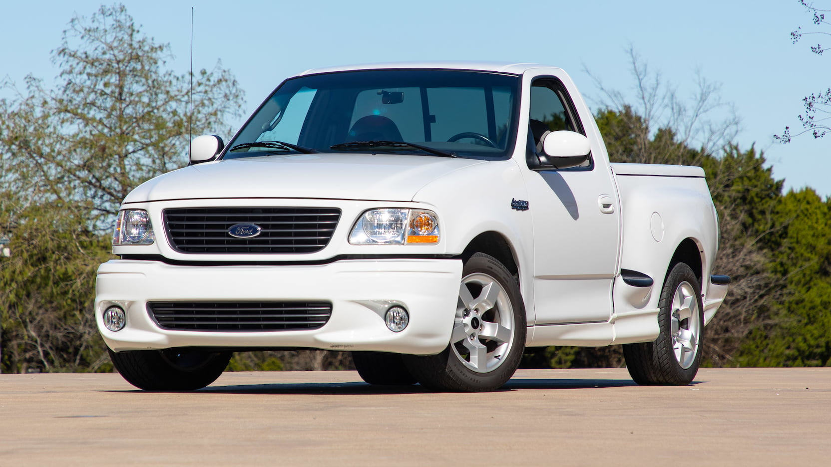 2003 Ford F150 SVT Lightning Pickup