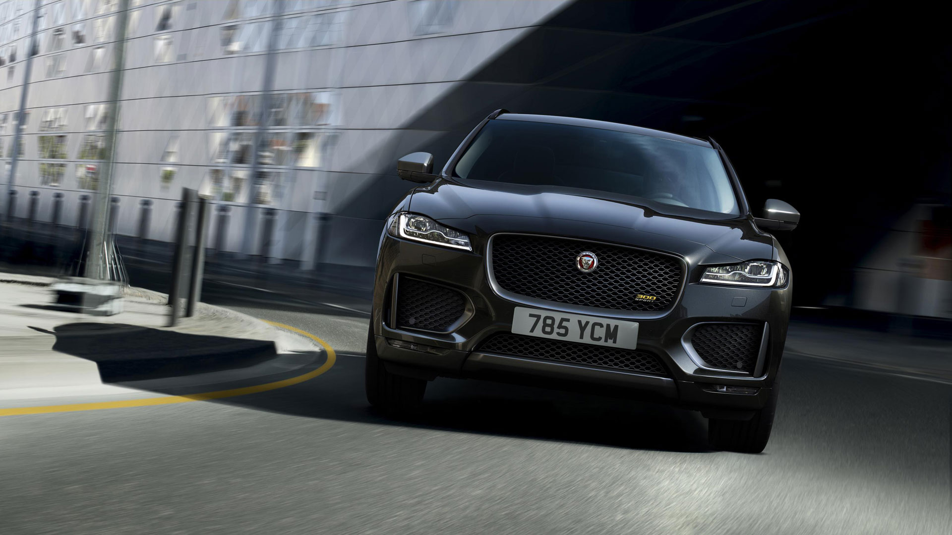 Jaguar F-Pace 300 Sport and Chequered Flag editions revealed