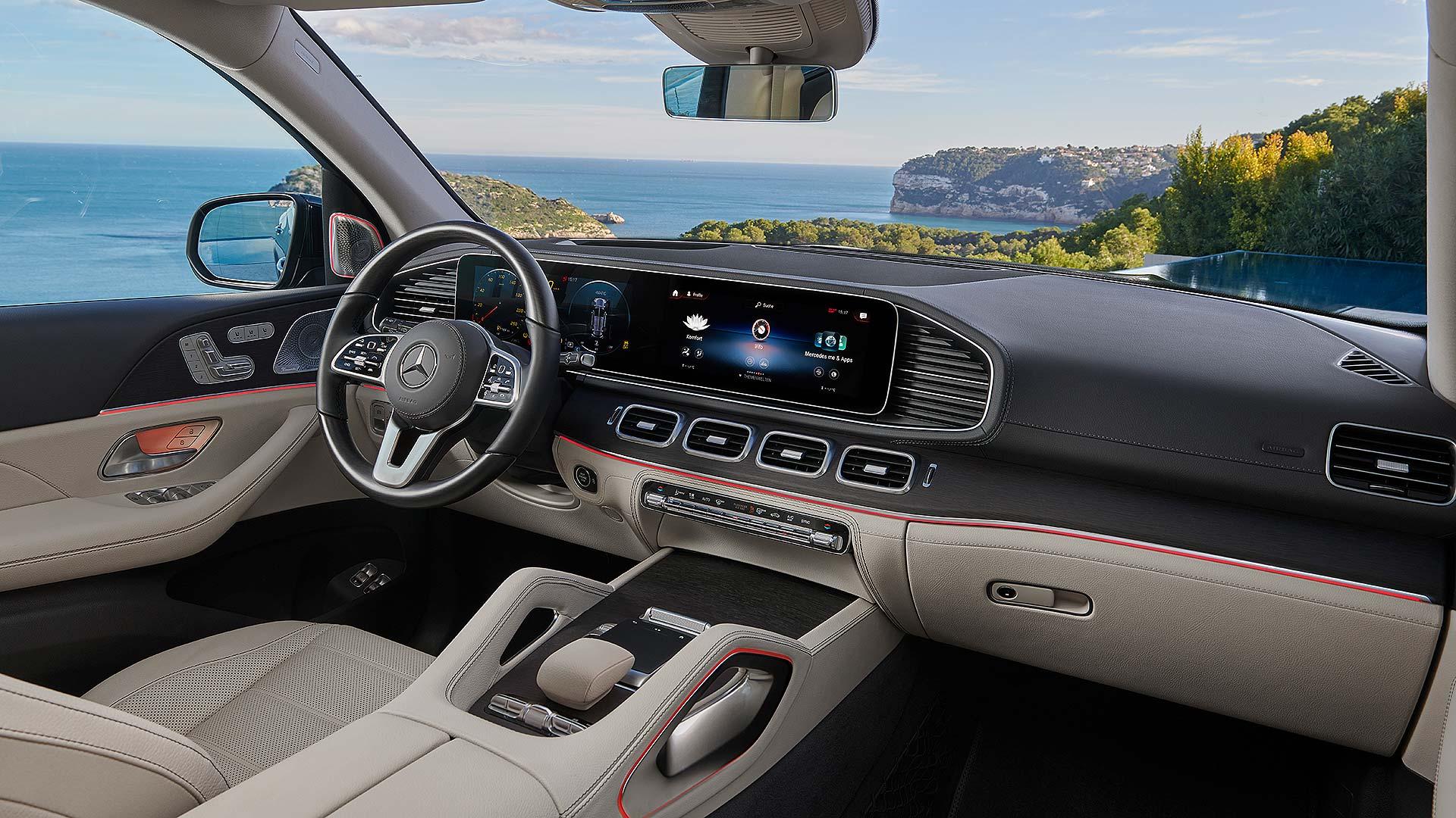 02 Mercedes-Benz GLS NYIAS