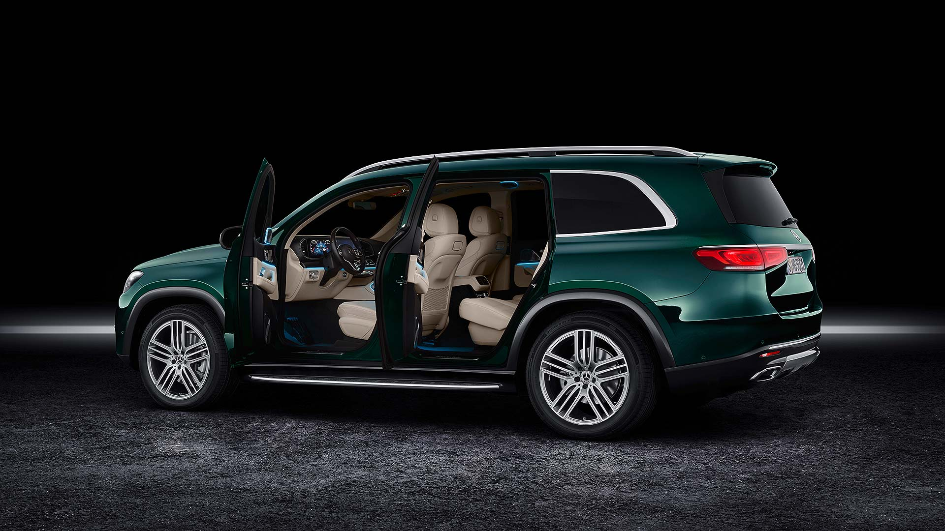 11 Mercedes-Benz NYIAS