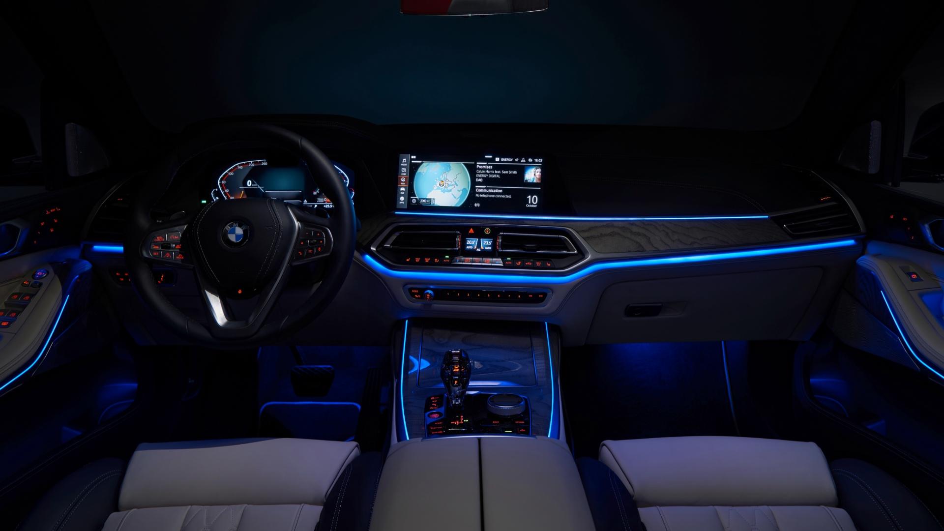 BMW X7 Mercedes