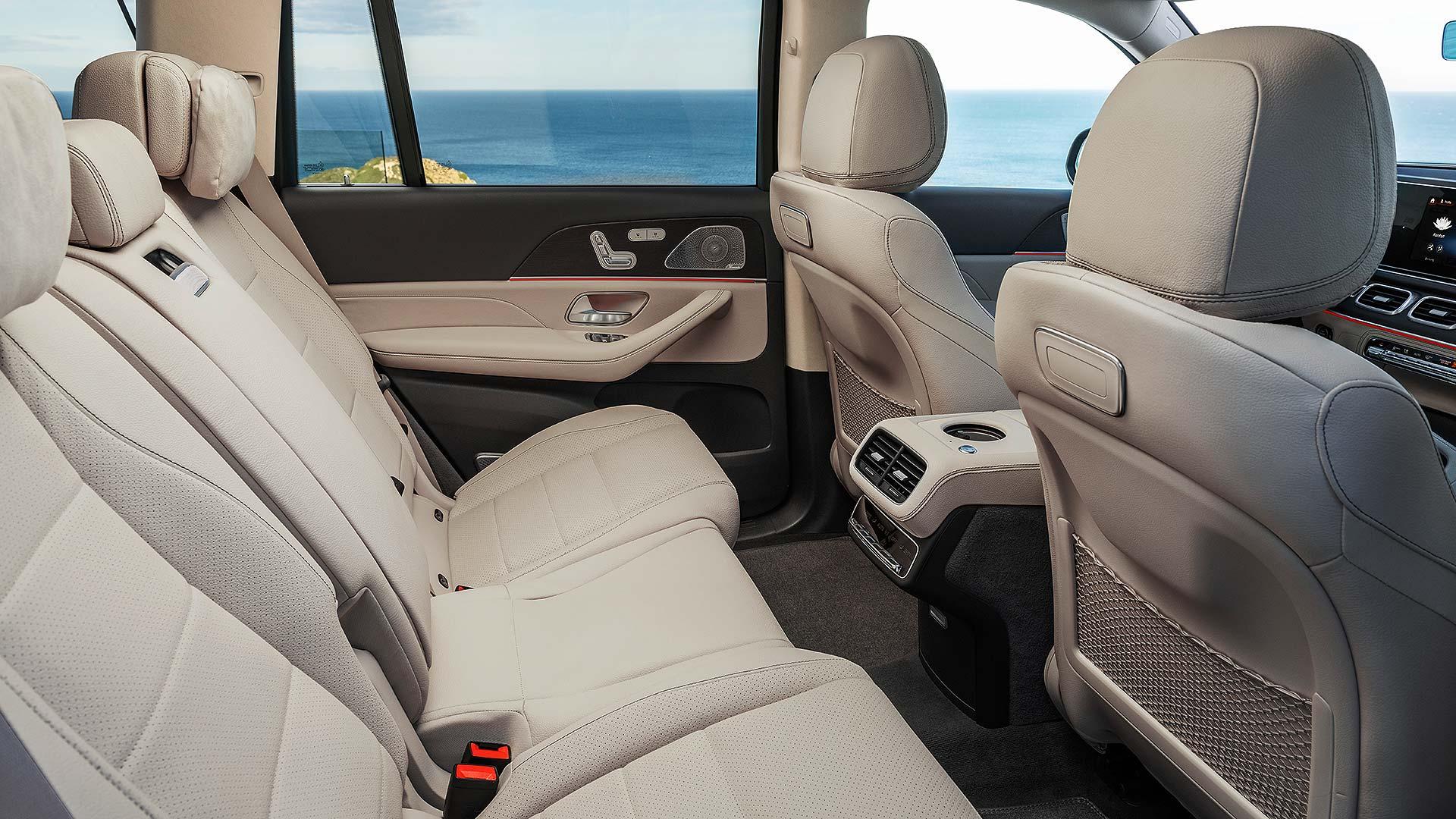 12 Mercedes-Benz GLS NYIAS