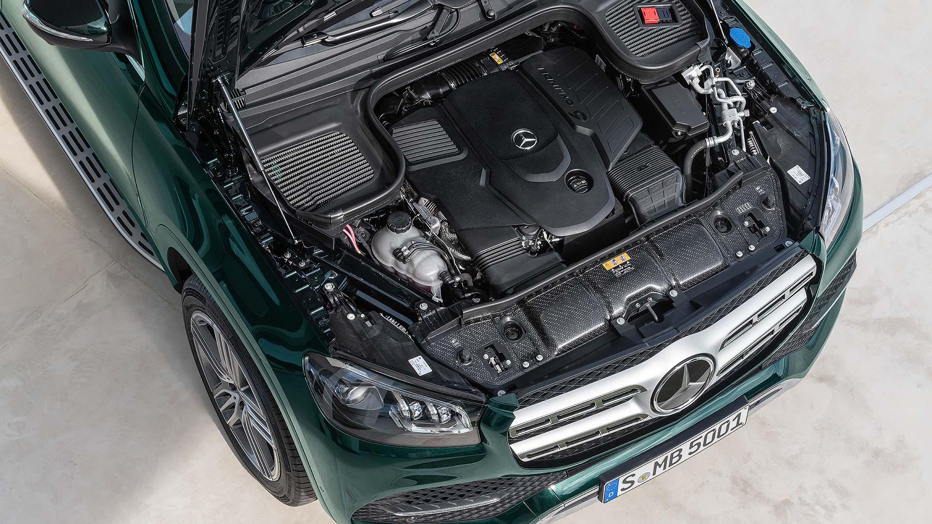 13 Mercedes-Benz GLS NYIAS