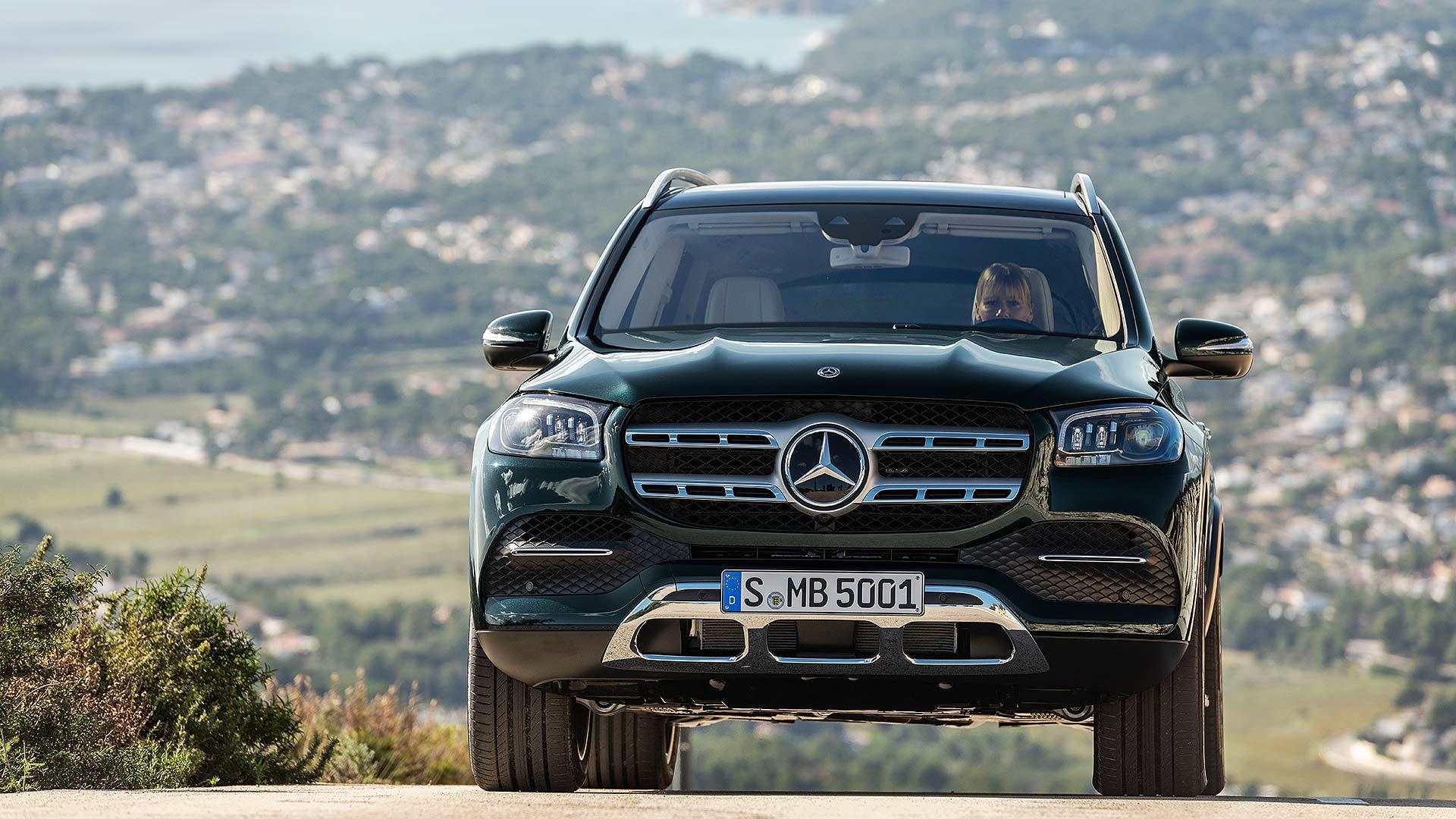 14 Mercedes-Benz NYIAS