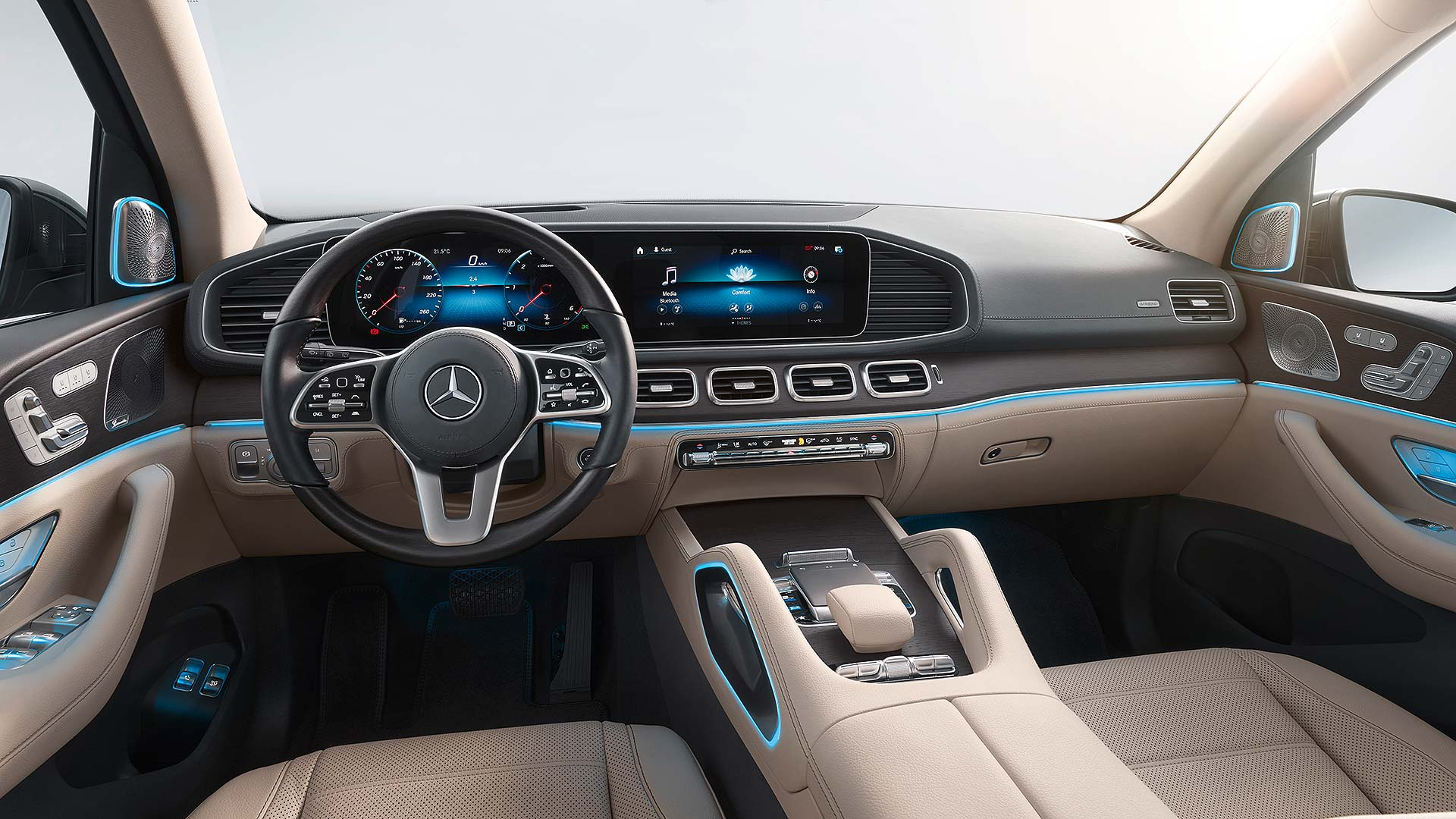 18 Mercedes-Benz NYIAS
