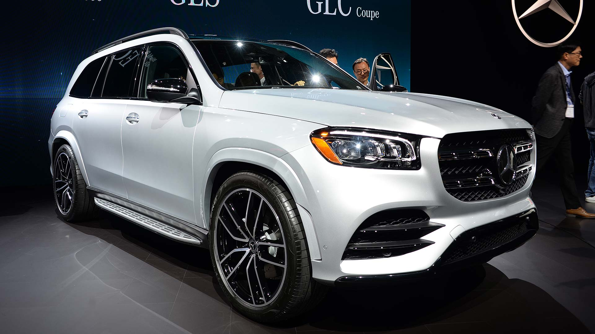 dfce728e94946 All-new and ready to dominate the luxury SUV sector