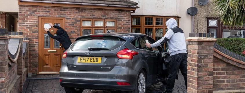 Criminal use of keyless entry relay box car theft