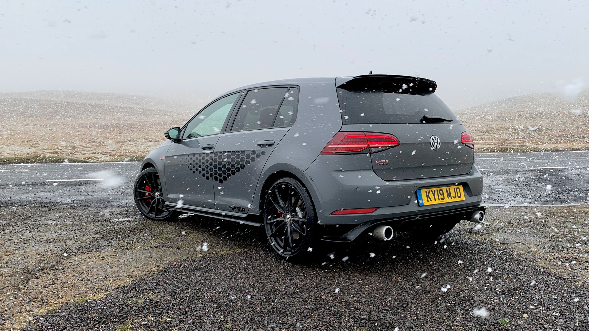 Volkswagen Golf GTI TCR Black Mountain Pass