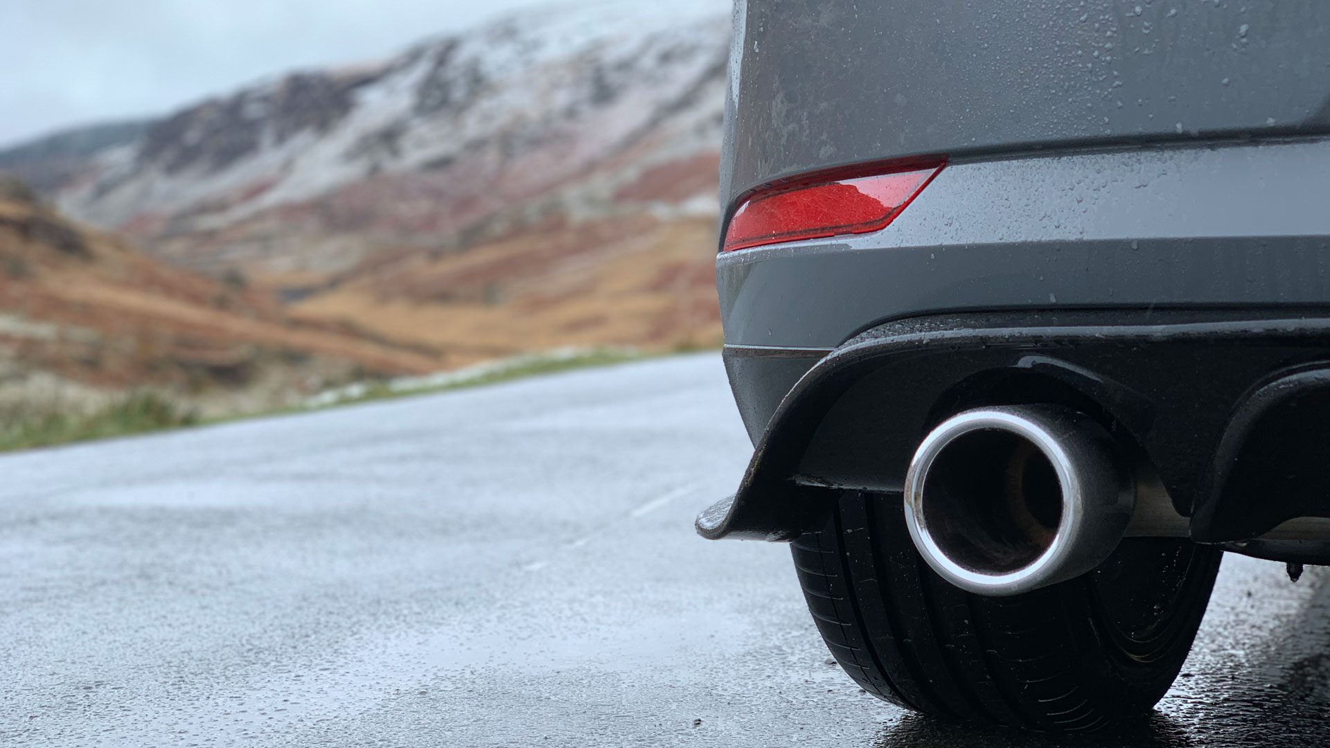Volkswagen Golf GTI TCR exhaust