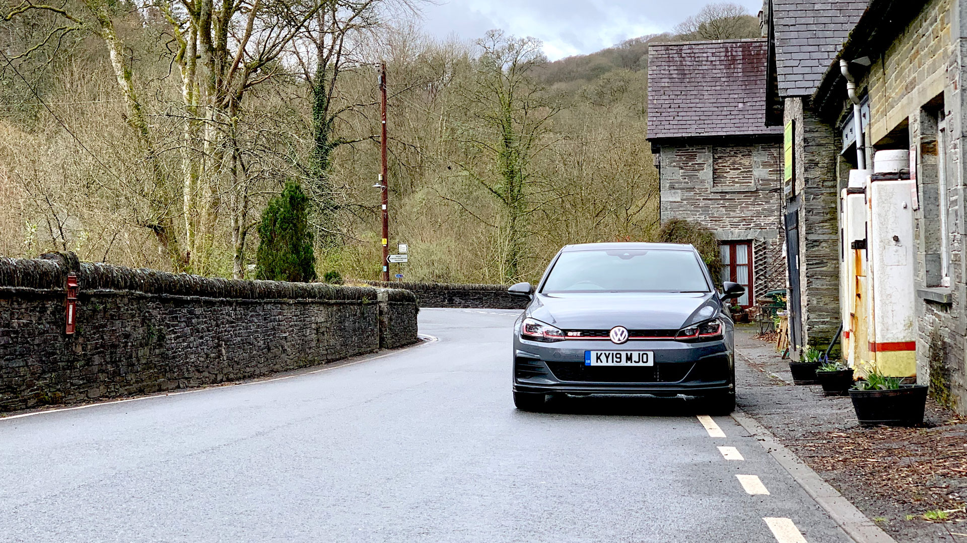 Volkswagen Golf GTI TCR in Wales
