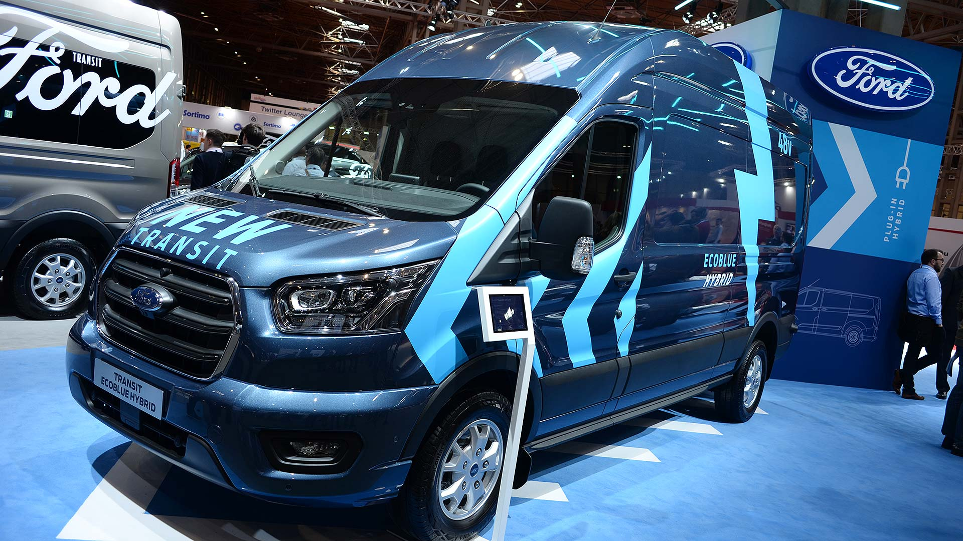 Ford Transit Ecoblue Hybrid