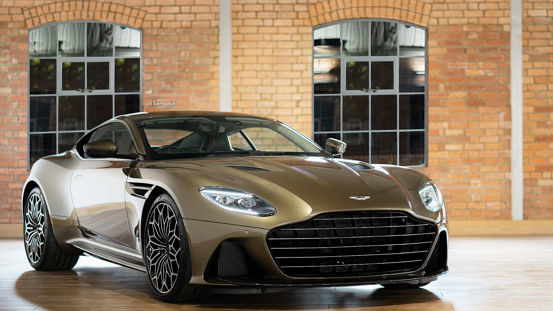 Special Aston Martin Dbs Pays Tribute To James Bond Motoring Research