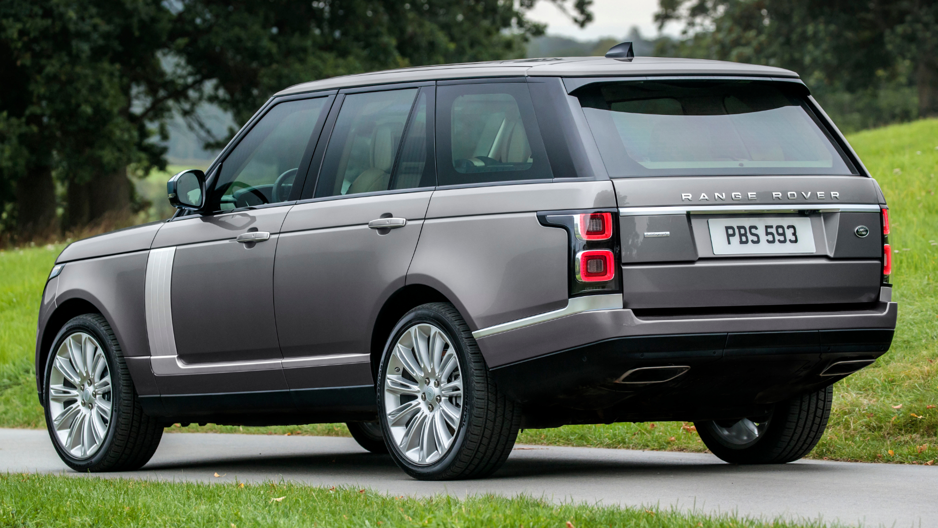Range Rover straight-six CarPlay