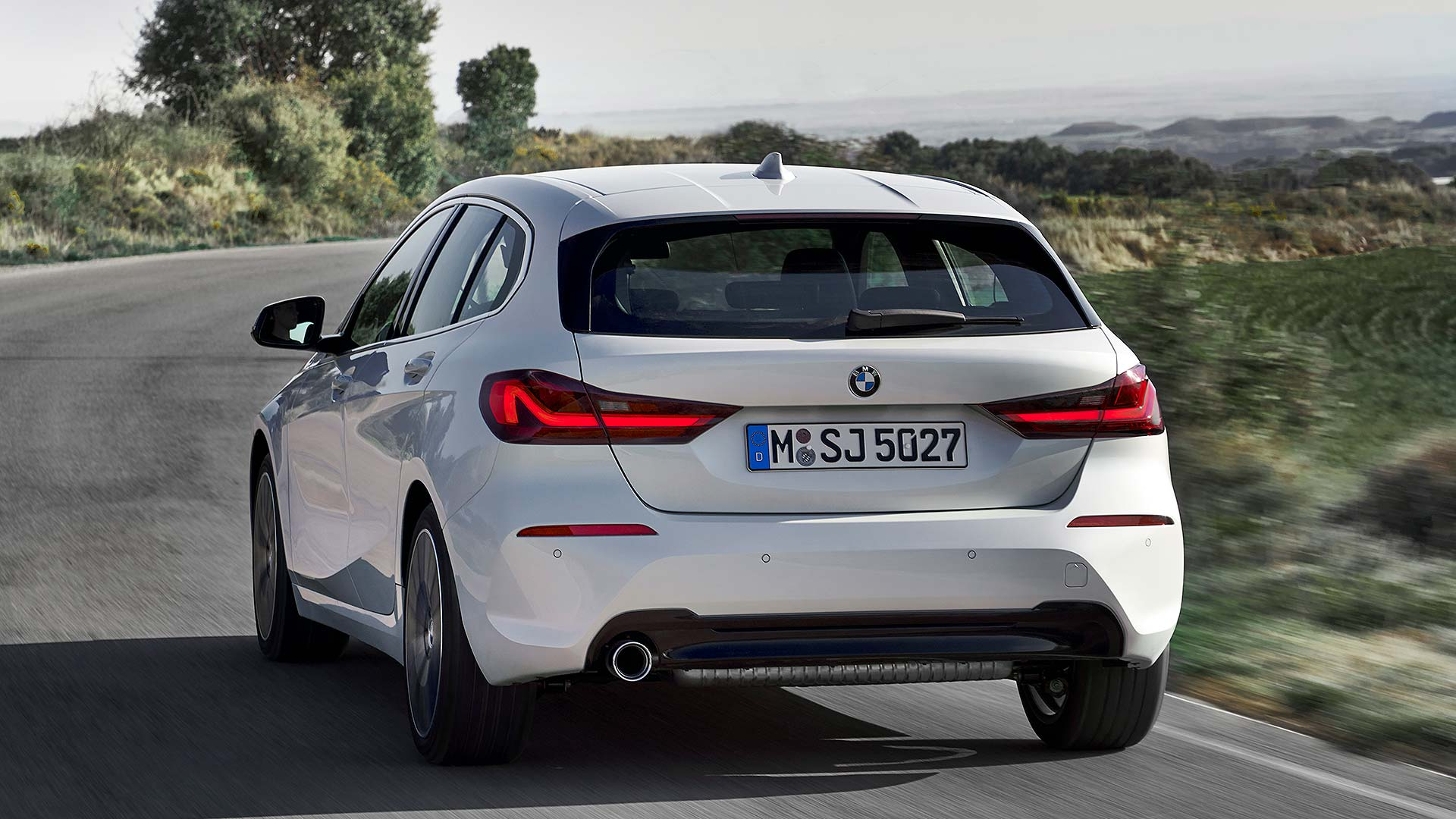 New Bmw 1 Series Revealed Full Details Of The 24 430 Premium Hatch Motoring Research