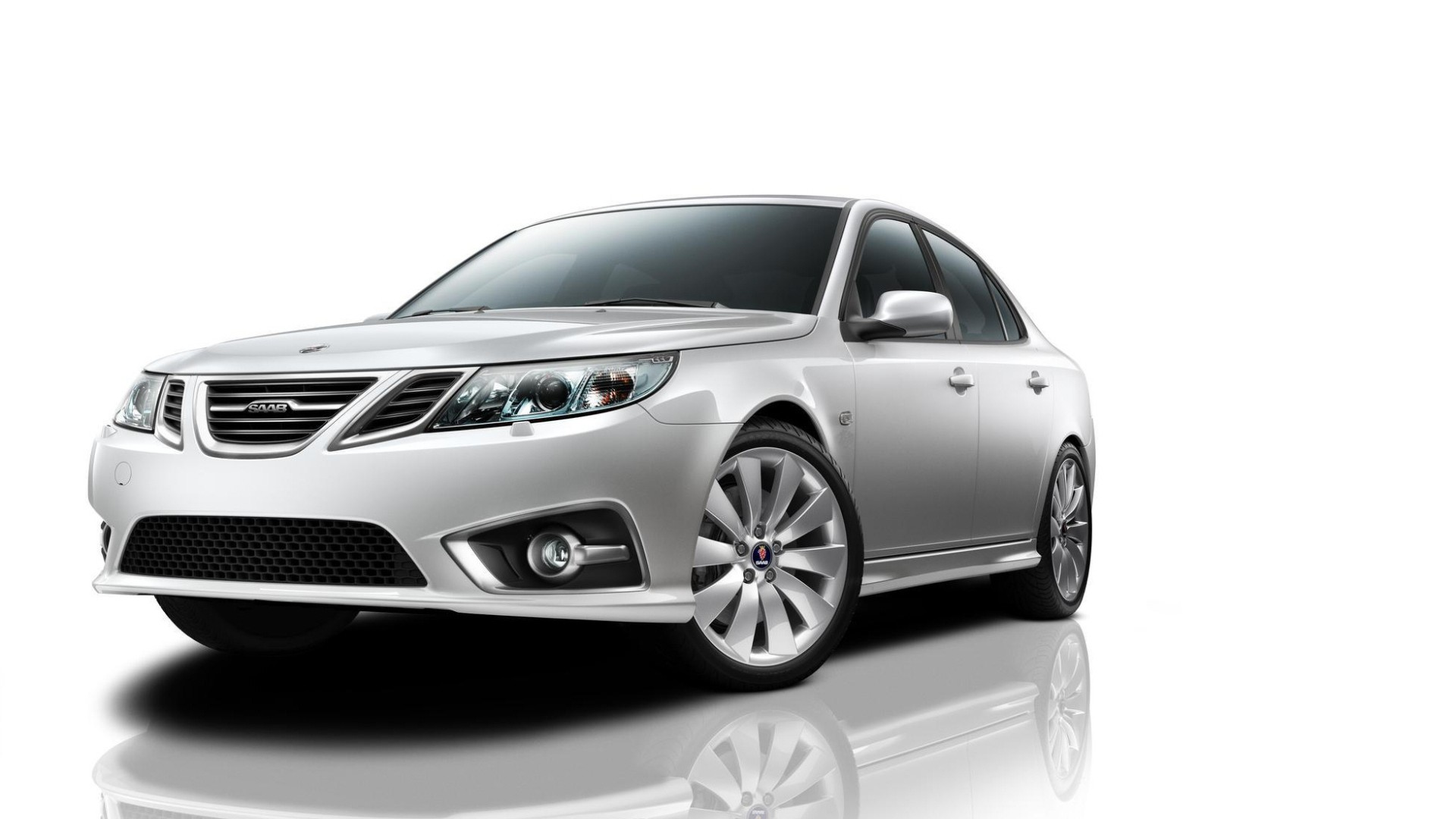 The last Saab ever is being sold