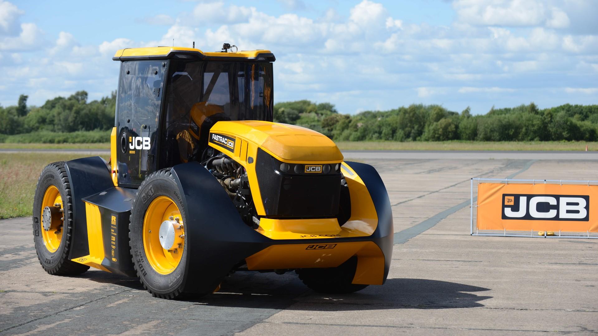 Guy Martin JCB Fastrac tractor speed record