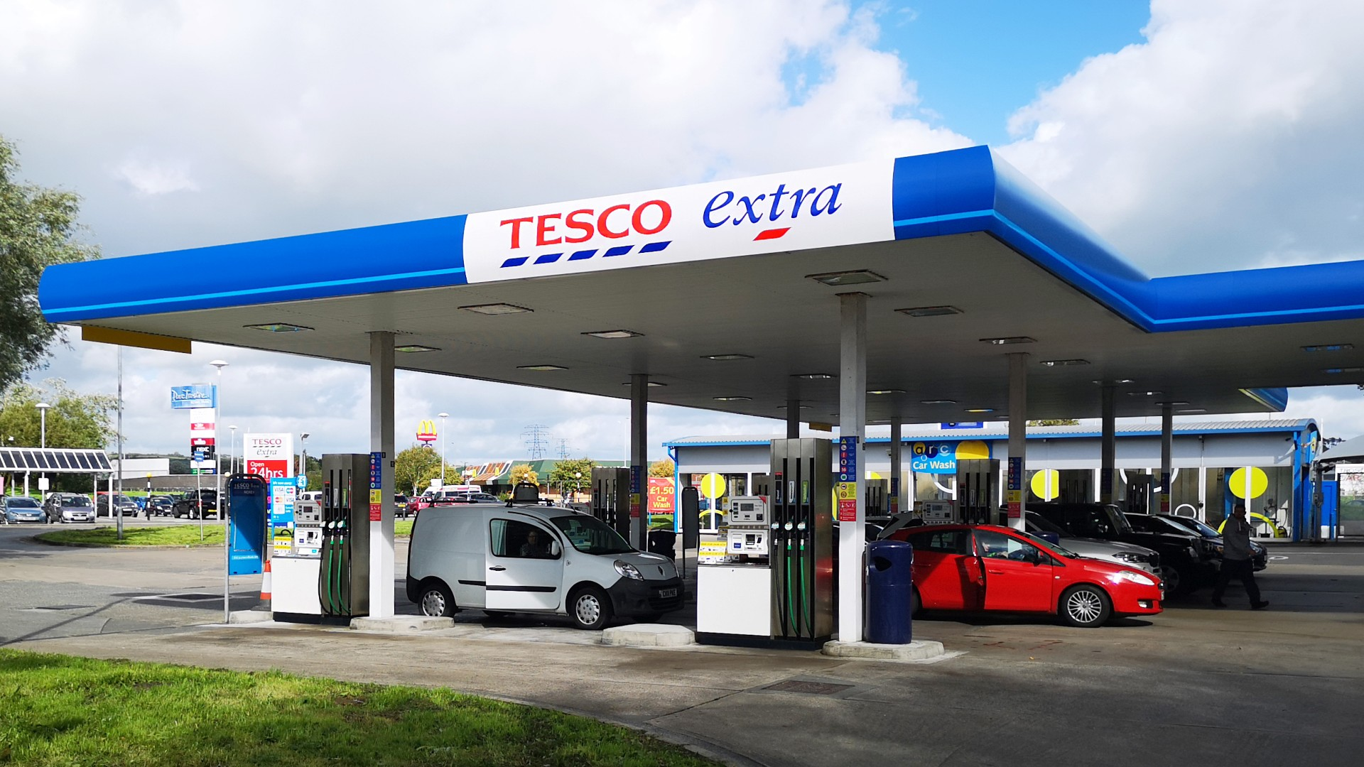 Fuel price war in the UK