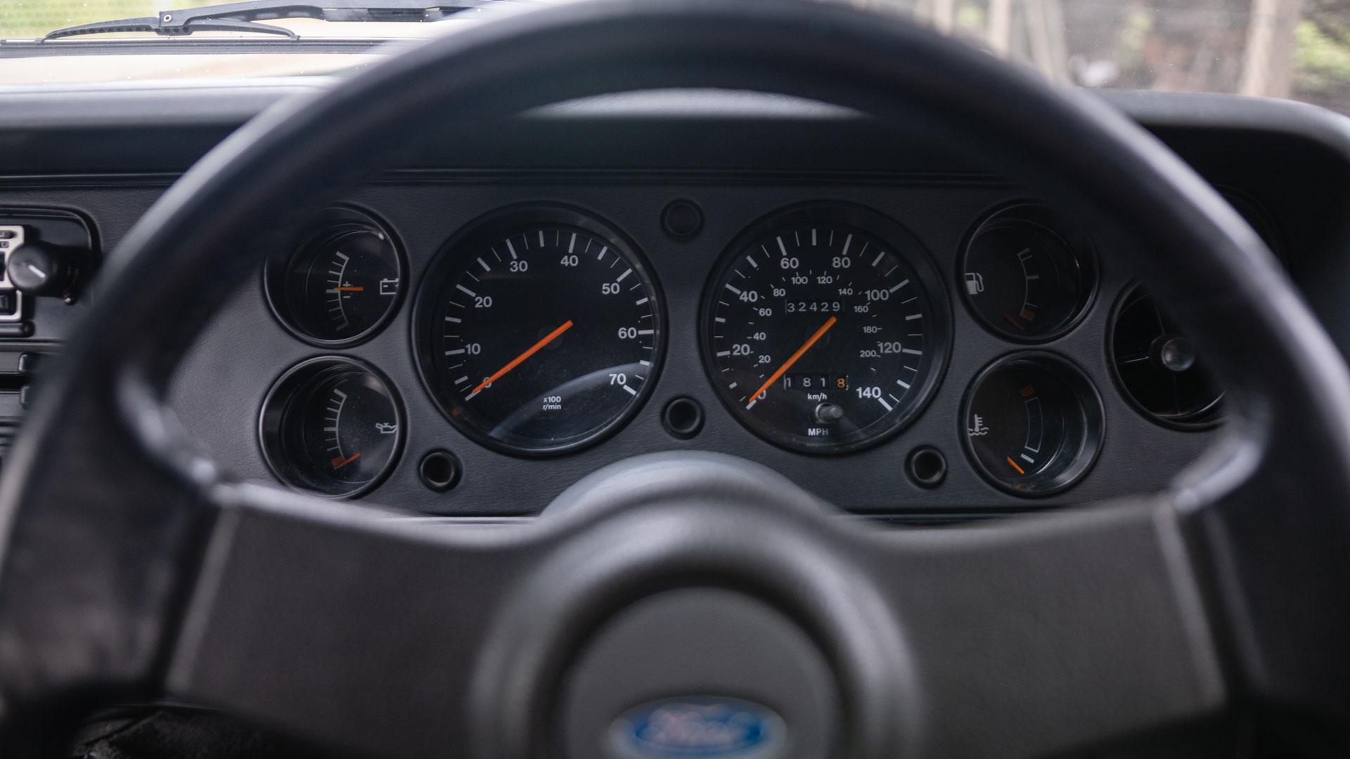 Ford Capri 280 dials