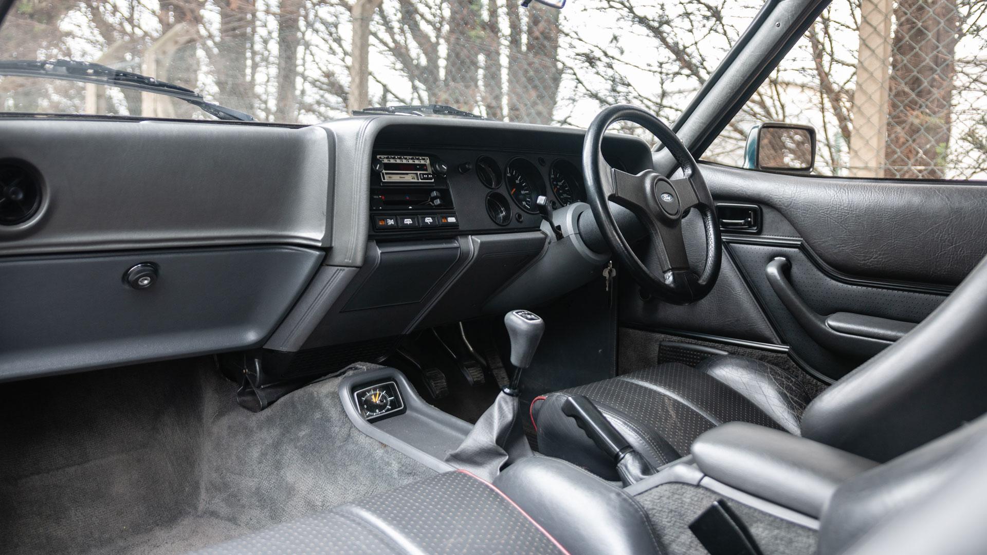 Ford Capri 280 interior