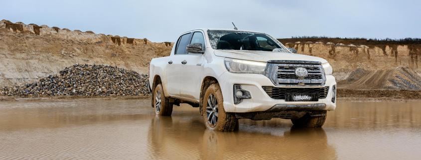 Australian car sales drop again in June 2019
