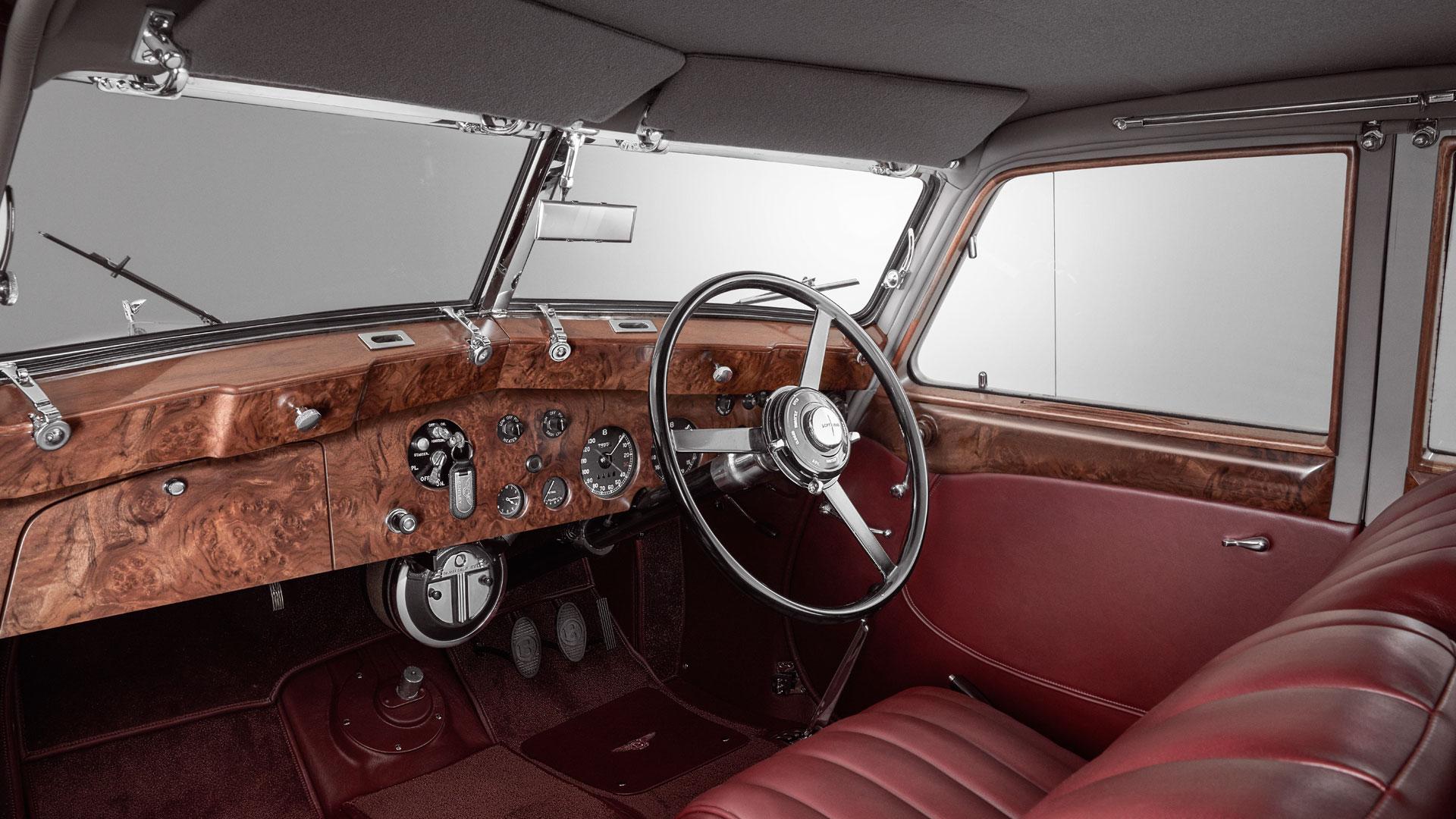 Bentley Corniche interior