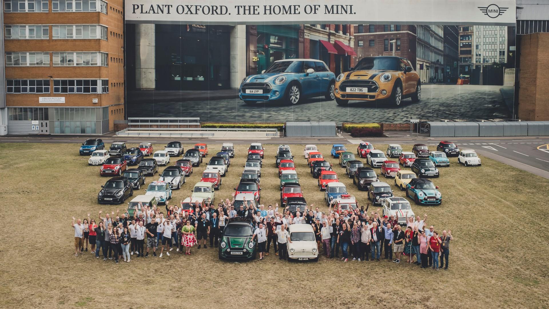 60 Minis gather to celebrate 60 years