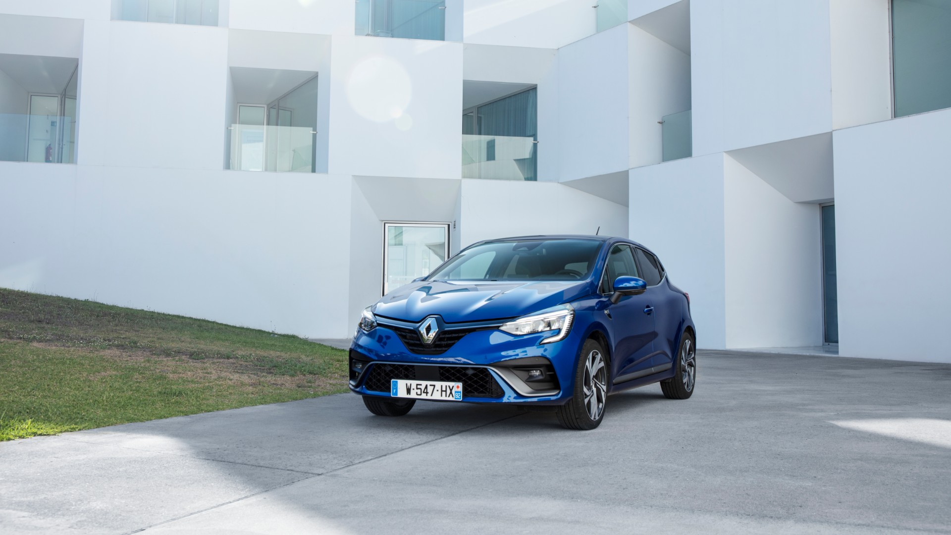 2020 Renault Clio price and specs
