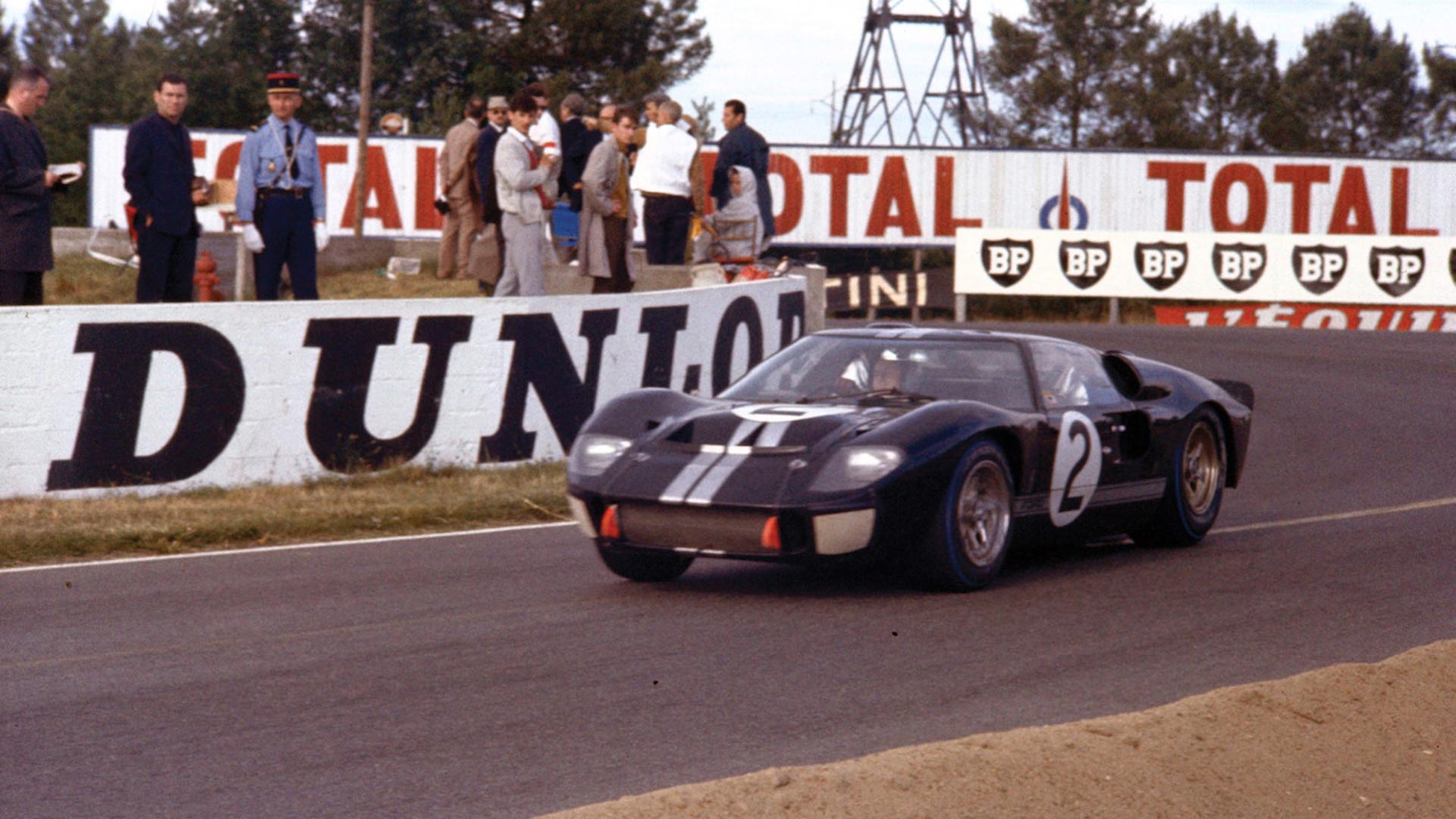 Ford V Ferrari The Real Story Of The Gt40 At Le Mans Motoring Research