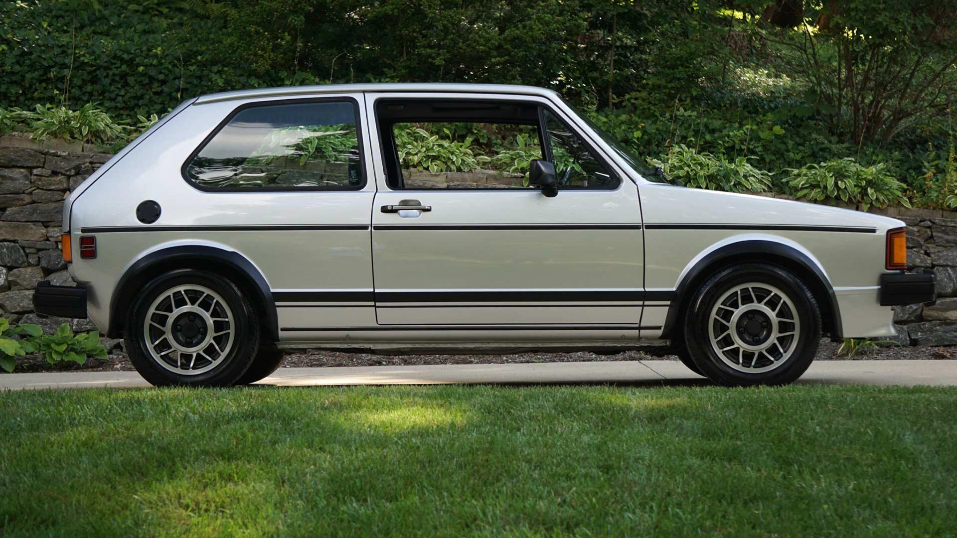 33 000 Volkswagen Rabbit Gti Breaks Auction Website Records Motoring Research