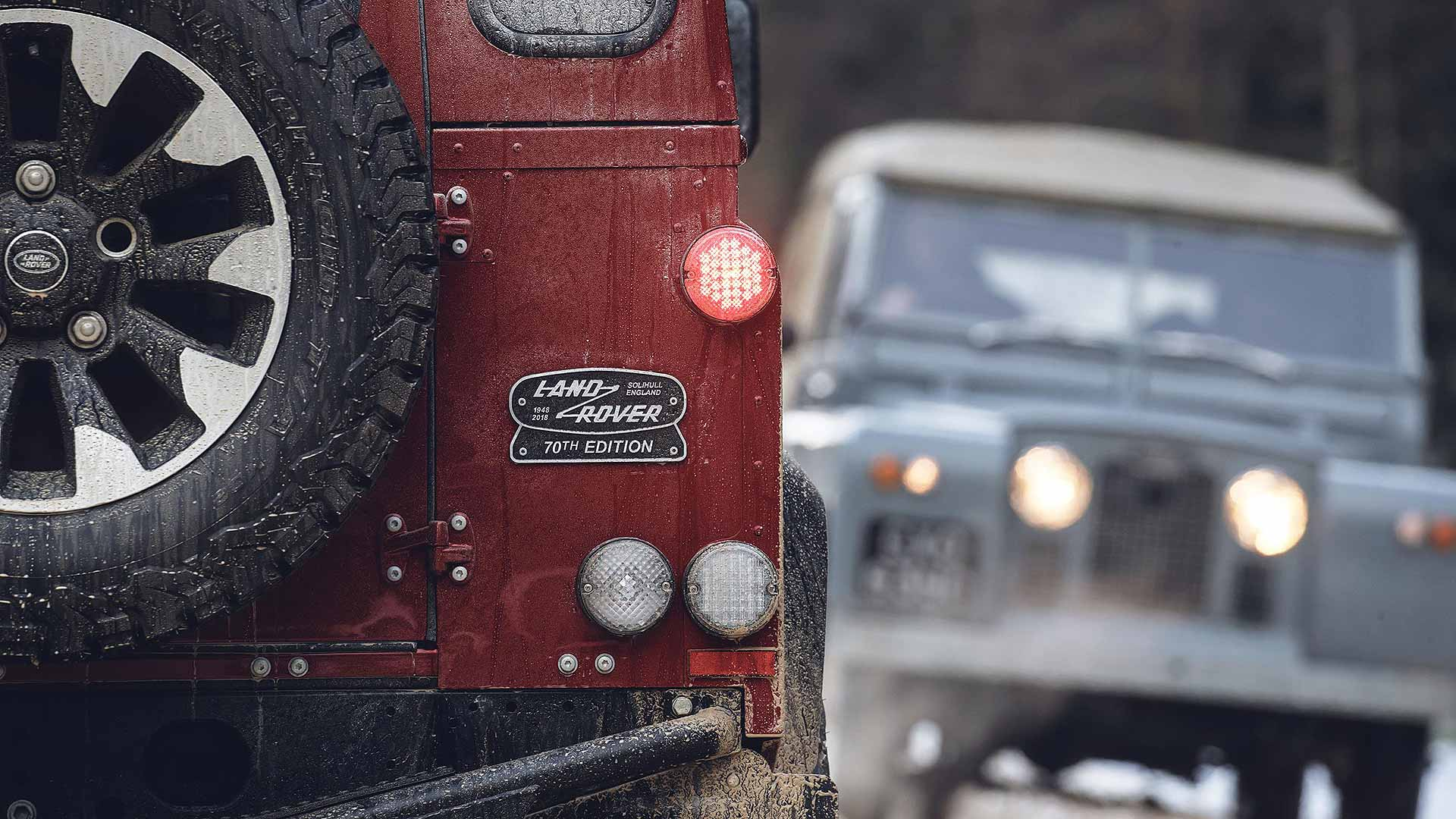 Classic Land Rover Defender Works V8_170118_24