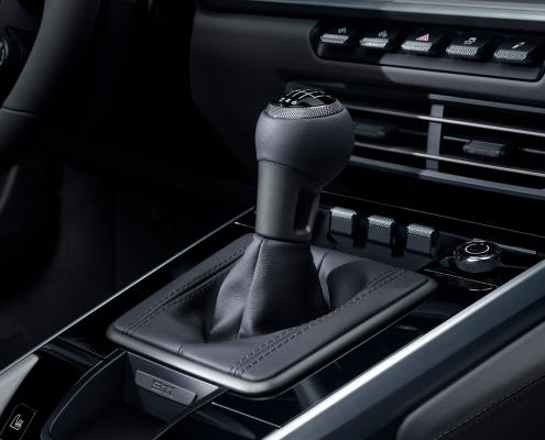 Porsche 911 manual 2020