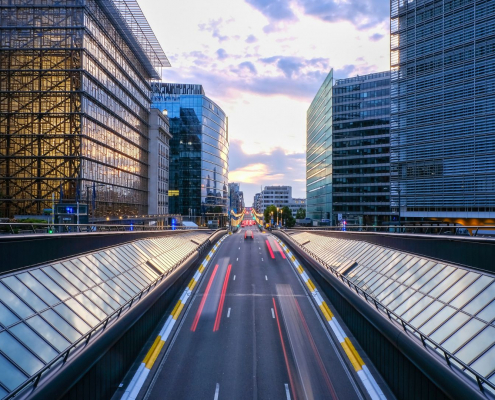 Brussels to ban petrol and diesel cars